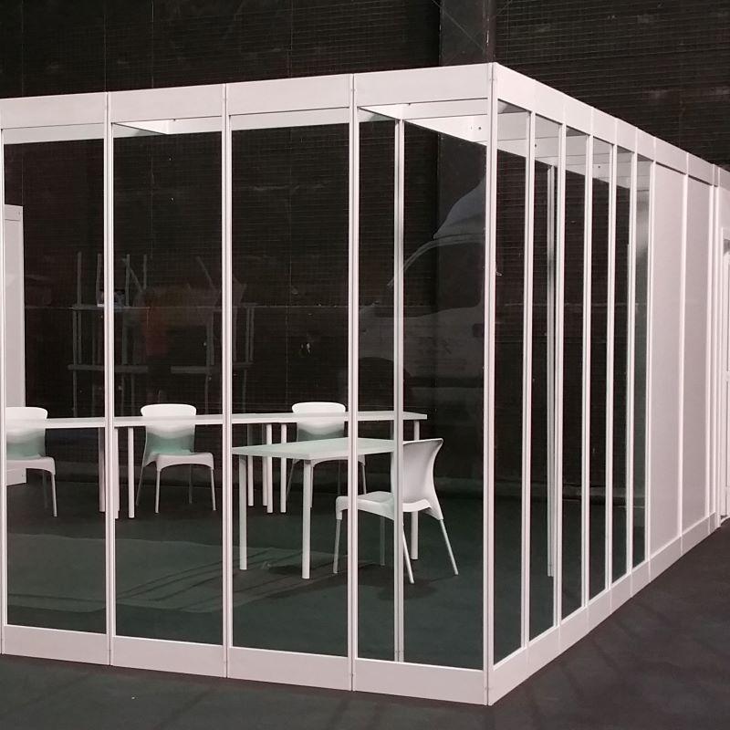 Diseño y construcción de stands eventos en modular blanco